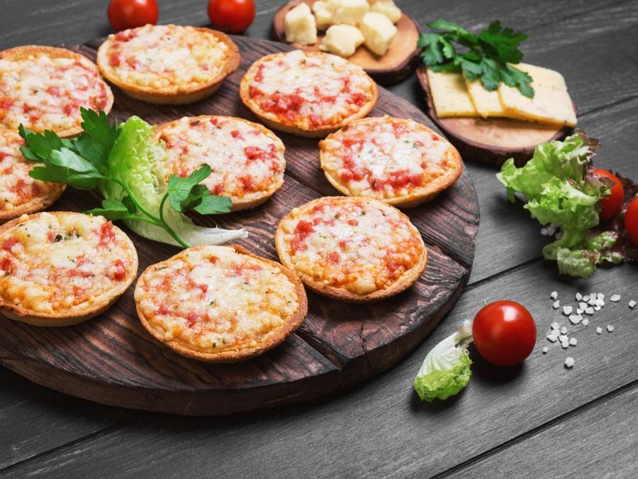 mini pizzas catering finger food